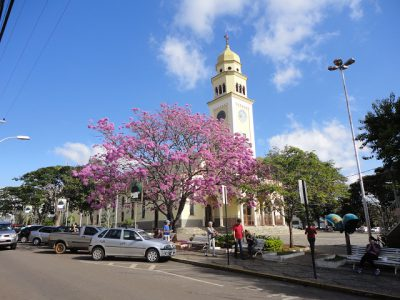 Três-Pontas-Praça-Cônego-Victor-1
